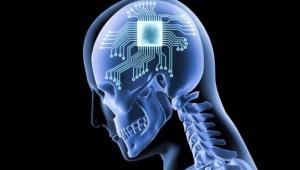 Elon Musk açıkladı, 1 yıl içinde insan beynine çip takılacak