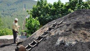 Odun kömürcülüğü mesleği zamana yenildi