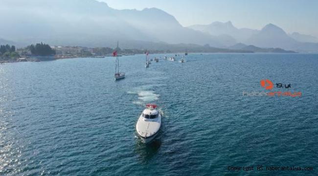 15 Temmuz'da 15 tekneyle saygı geçişi