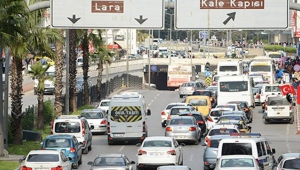 Antalya'da araç sayısı milyonları buldu !