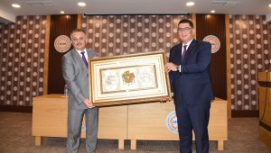 Antalya Valisi Yazıcı, AESOB'da 75 oda başkanıyla bir araya geldi