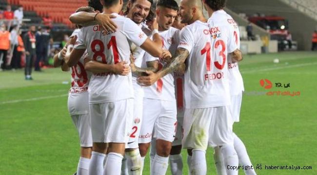 Antalyaspor ile Trabzonspor'un 48'inci kez rakip
