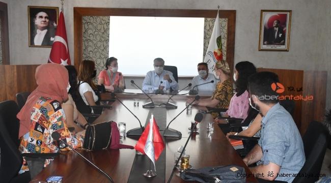 Başkan Topaloğlu'ndan üniversiteye hazırlanan öğrencilere eğitim desteği