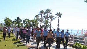 Dünyaca ünlü Konyaaltı Sahili'nde sınır işgaline son 3 gün.