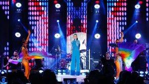 Ebru Gündeş'ten Bodrum'da çifte konser