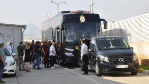 Galatasaray kafilesi Gazipaşa'ya geldi