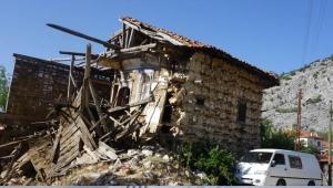 İbradı'da tarihi yapılar onarılıyor