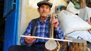 Kabak kemane ustası kültürünü yaşatmak için direniyor