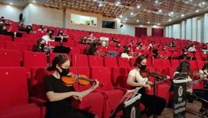 Kepez'in senfoni orkestrası TRT ekranlarına konuk oldu