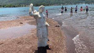 Kızkumu'nun prenses heykeli 'askılık' olmaktan kurtuldu