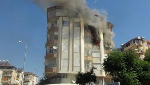 Korkutan ev yangını