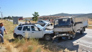 Korkuteli'nde trafik kazası: 4 yaralı