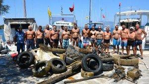 Kumluk Plajı'nda denizden çıkarılanlar hayrete düşürdü