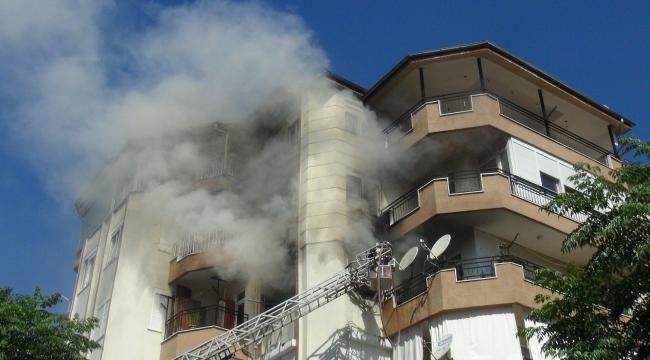 Manavgat'da korkutan ev yangını
