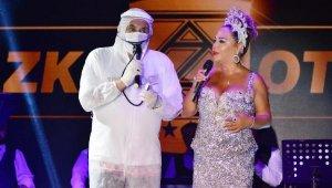 Pandemi sonrası Safiye Soyman ve Faik Öztürk Bodrum'da sahne aldı
