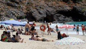 Rusya uçuşlarının başlaması, Alanya'da turizmciyi ve esnafı sevindirdi