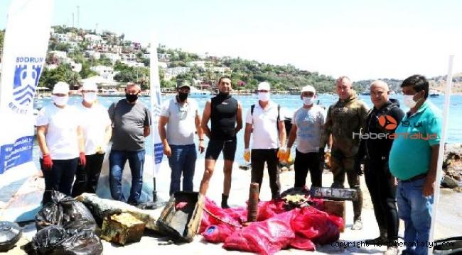Türkbükü Sahili'nde deniz dibi temizliği