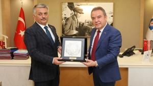 Vali Yazıcı'dan Başkan Böcek'e ziyaret