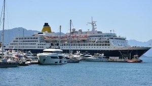 200 metrelik lüks yolcu gemisi Marmaris'te