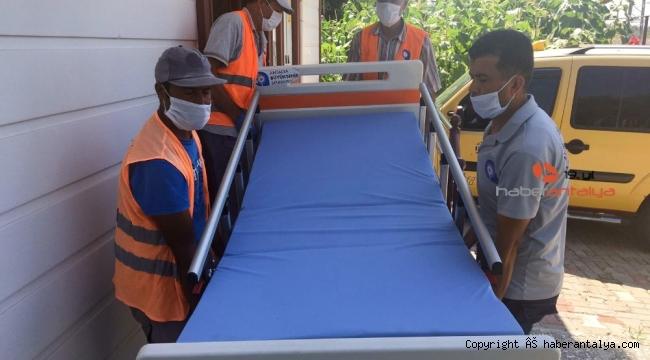 Antalya'da 11 vatandaşa hasta yatağı temin edildi