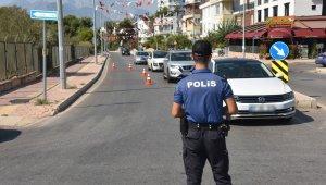 Antalya'da binlerce polisle huzur ve güven uygulaması !