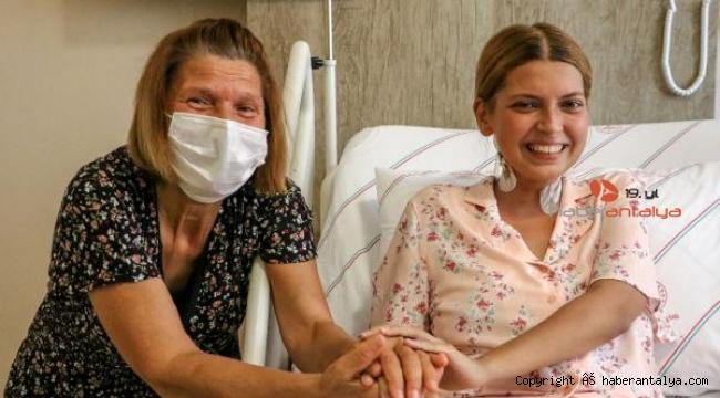Elif'in karaciğer damarı, kalbine dikildi