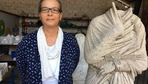 Komutanlarının şehrinde 1700 yıllık kadın heykeli
