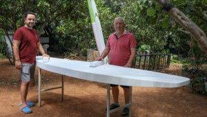 Maden mühendisliğini bırakıp, sörf tahtası üretmeye başladı