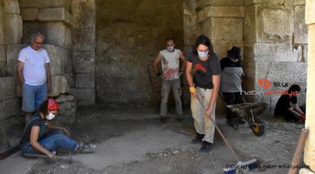 Myra Andriake kazılarının 12'nci yılı başladı