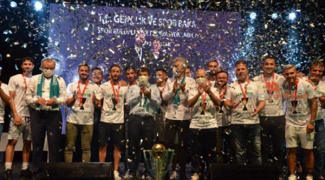 Serik Belediyespor'da şampiyonluk kutlaması