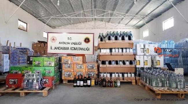 Antalya'da meşrubat firması deposunda sahte içki ve alkol ele geçirildi