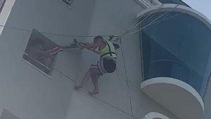 Deniz paraşütü kazasında mucize kurtuluş