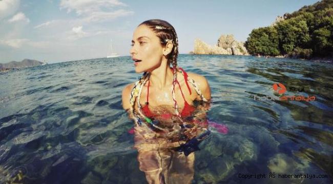 Oyuncu İpek Bağrıaçık'ın su altı tutkusu
