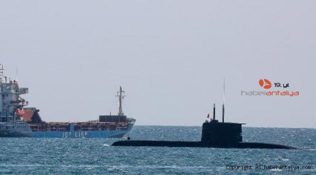 Türk denizaltısı, Antalya'dan ayrıldı