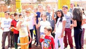 Tütüncü'den ilk teneffüs zilinde öğrencilere portakal suyu