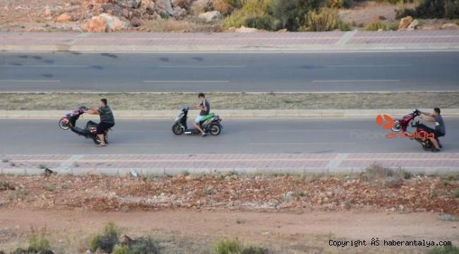 Yapımı süren yolda tehlikeli sürüş