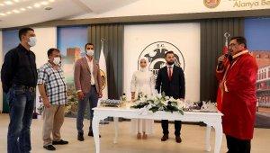 Alanya Belediyesi ile 1453 çift evlendi