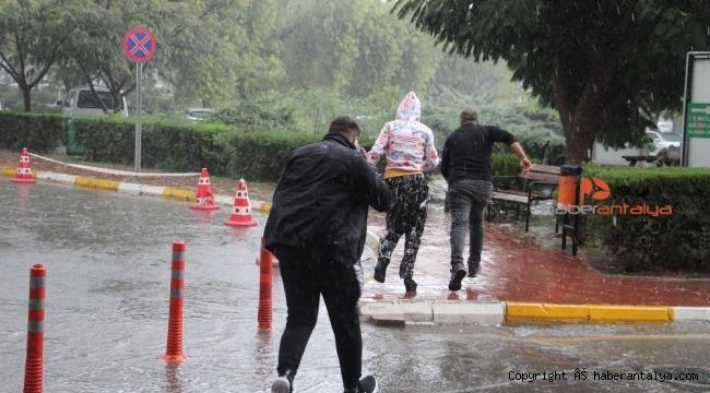 Antalya'da dolu yağışı !