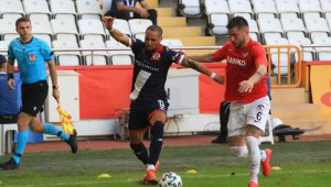 Antalyaspor'da Sidney Sam'ın siftahı hararetli oldu