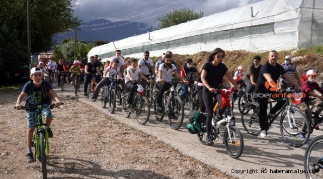 Finike'de bisiklet turu etkinliği