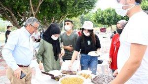 Kemer'de öğrenciler piknikte buluştu