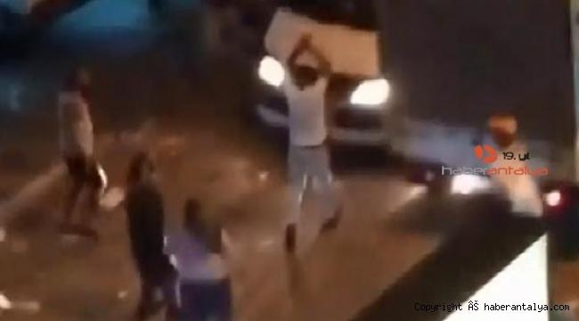 Pazarcı, tartıştığı kişinin kamyonetine demir çubukla saldırdı