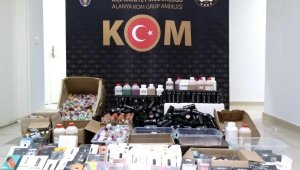 Alanya'da kaçak elektronik sigara baskını: 2 gözaltı