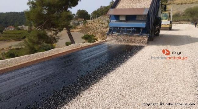 Kaş yolları asfaltlanıyor