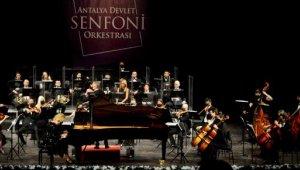 Onay'dan piyano ziyafeti
