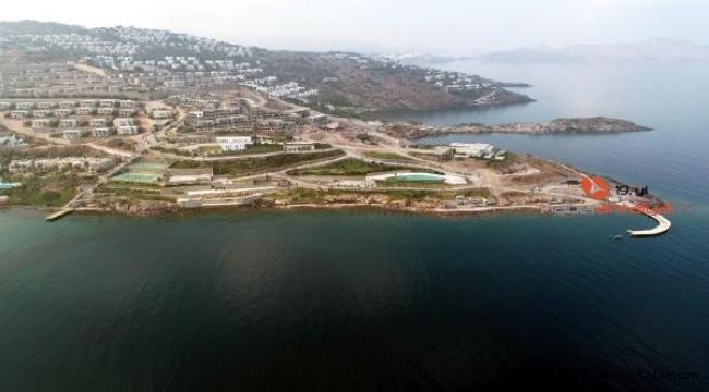 Tatil bölgesinde yıkımlar devam ediyor