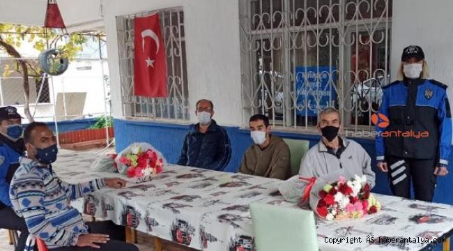 Antalya Polisi'nden anlamlı ziyaret