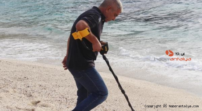 Dedektörlü dalgıç: Deniz bana her zaman ekmeğimi veriyor