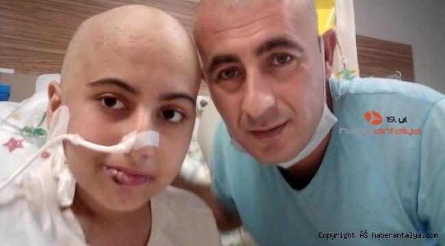 Lösemi hastası kızı için saçını kazıttı