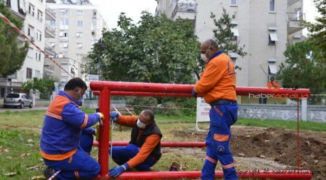 Muratpaşa'nın bakım onarım timi görev başında